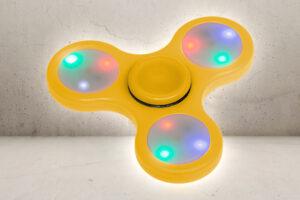 Fidget Spinner med Lys - Gul-0